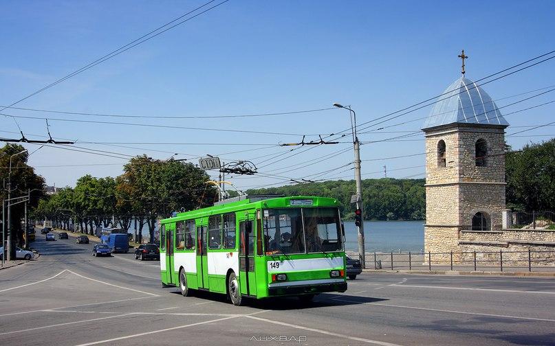 Запрошуємо на навчання бажаючих стати водіями тролейбусів