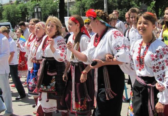 У Тернополі на День міста проїзд у громадському транспорті у вишиванках – безкоштовний