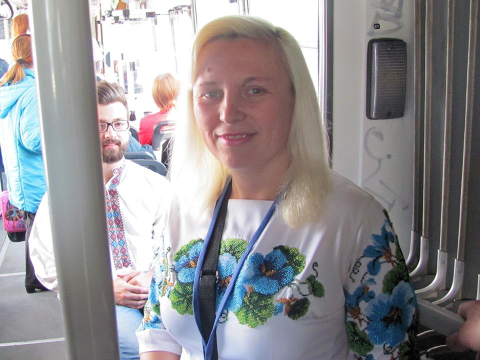 По-особливому тролейбусники відзначили День вишиванки