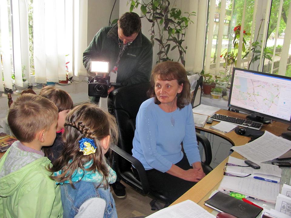 Тернопільські малюки познайомилися з роботою тролейбусного депо