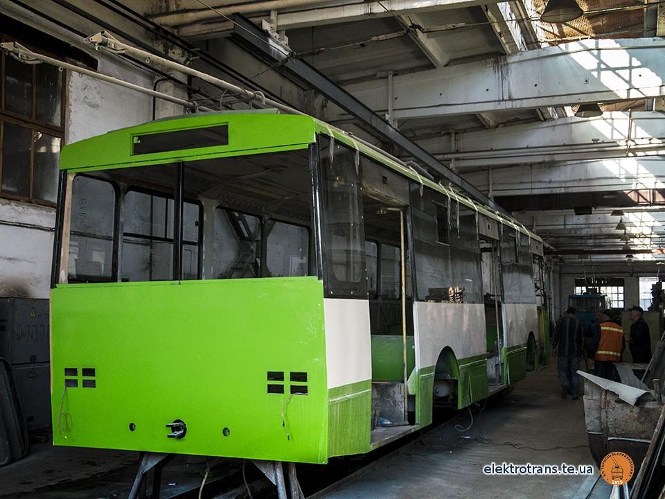 Третій капітально відремонтований тролейбус незабаром вийде на лінію