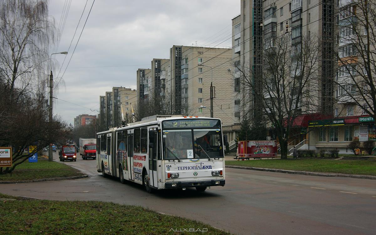 У Тернополі водії тролейбусів отримують зарплату у розмірі від 15000 до 20000 гривень
