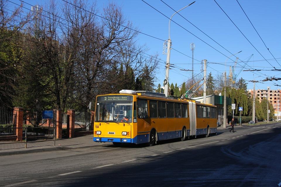На міські маршрути виїхав тролейбус №184