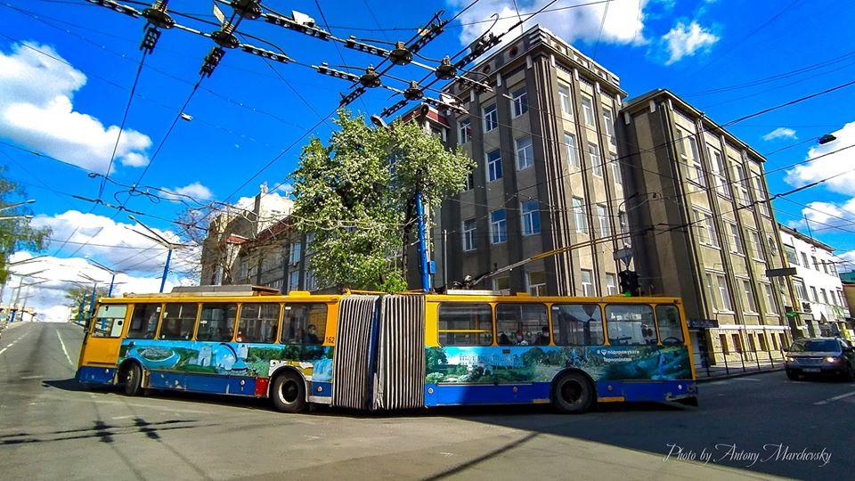 9, 10 та 11 травня буде змінено рух тролейбусів та автобусів